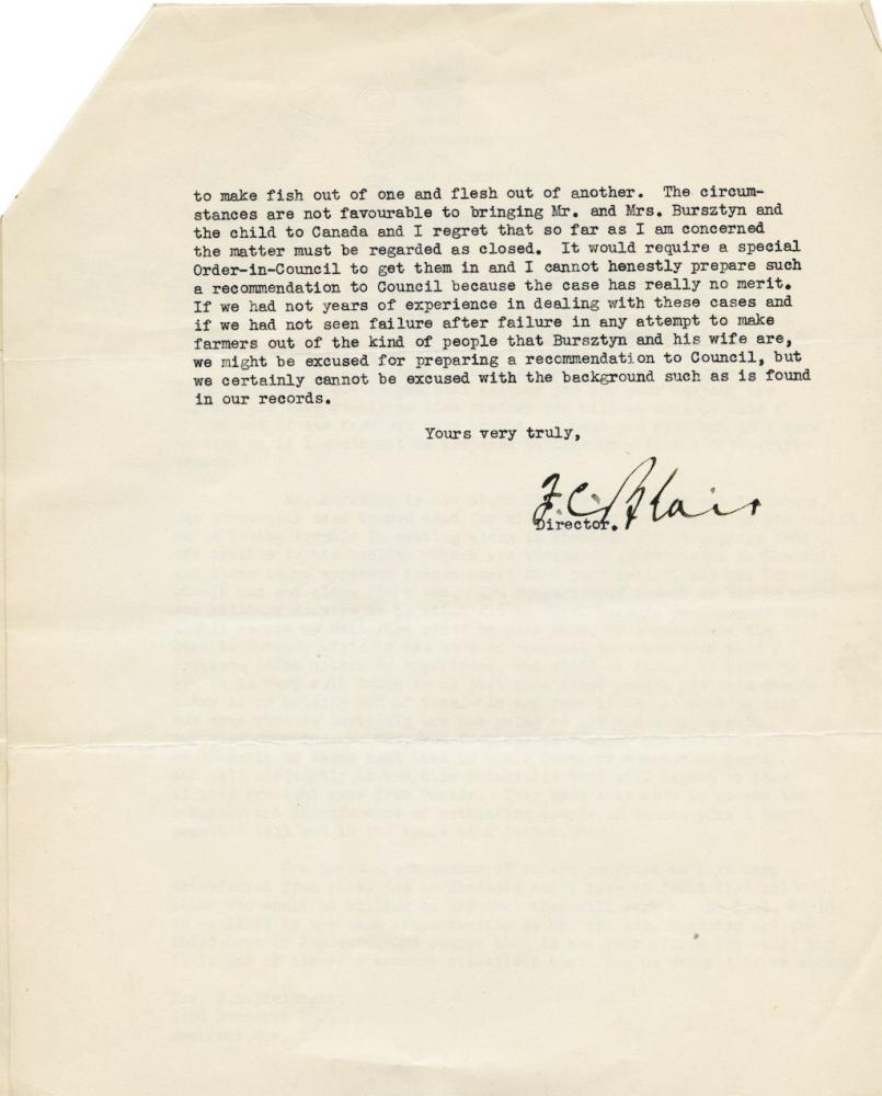 Une page de couleur beige d'une lettre qui se termine avec une signature manuscrite.