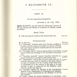 Une feuille blanche d'un document typographié rédigé en anglais, dont la taille de police varie.